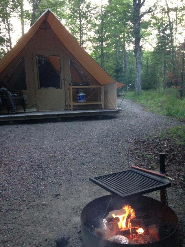 Tente Huttopia, Lac Chat, secteur la Diable, Parc National Tremblant