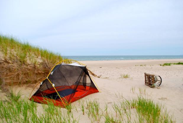 Camping sauvage aux Îles-de-la-Madeleine (c) Marie-Eve Blanchard